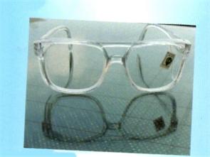 防冲击眼镜